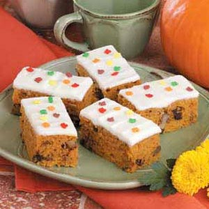 Fluffy Raisin Pumpkin Bars Recipe