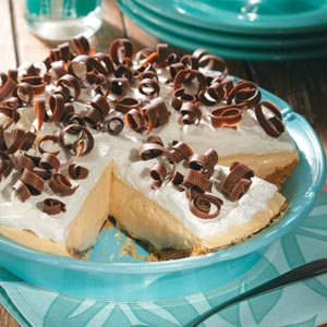 Dreamy Creamy Peanut Butter Pie Recipe