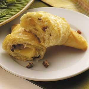 Nutty Gouda Rolls Recipe