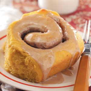 Pretty Pumpkin Cinnamon Buns Recipe