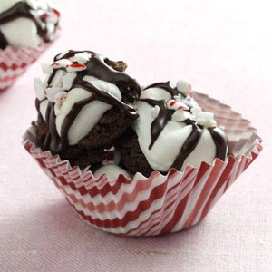 Peppermint-Kissed Fudge Mallow Cookies Recipe