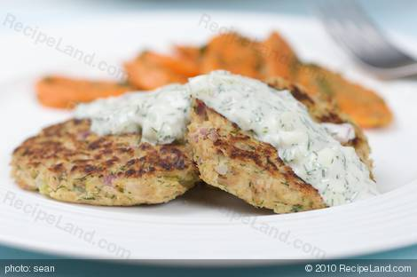 Tuna Cakes with Dill Tartar Sauce