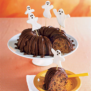 Pumpkin Cake with Little Ghosts
