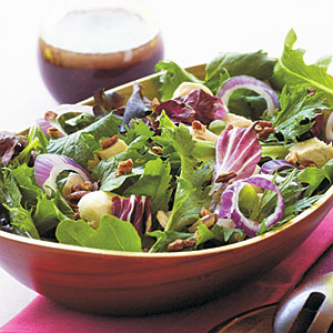 Chicken and Spring Greens with Açai Dressing