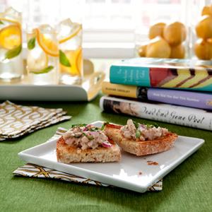 Sicilian Tuna and White Bean Bruschetta