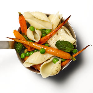 Shells With Peas, Carrots, and Mint