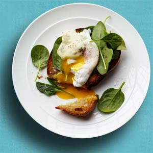 Crostini with Spinach, Poached Egg, and Creamy Mustard Sauce