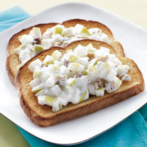 Toast with Walnut & Pear Breakfast Spread