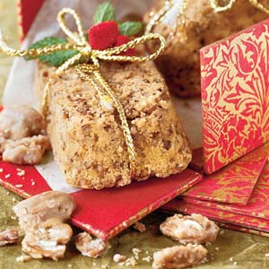 Praline-Pecan Cakes