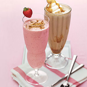 Strawberry-Cheesecake Milk Shakes