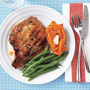 Apricot-Glazed Grilled Pork Chops