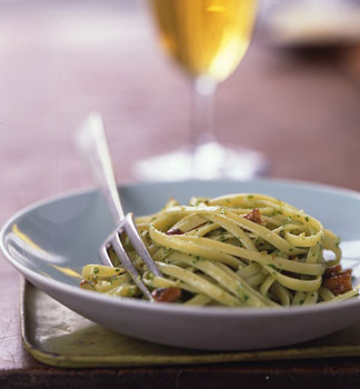 Linguine with Pecan Arugula Pesto