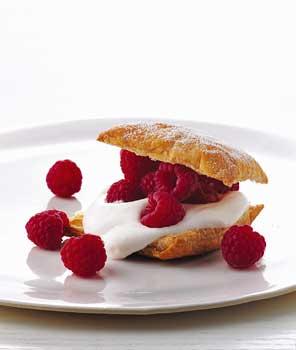 Raspberry Crème Fraîche Puff