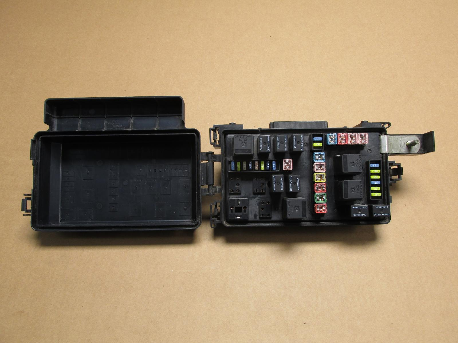 Fuse Box For Dodge Charger 2007 : Dodge charger fuse box auto diagram