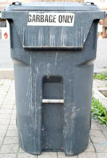 Trash containers 0013