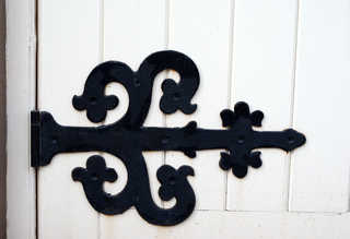 Handles and hinges 0009