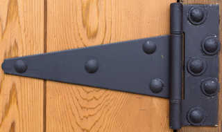 Handles and hinges 0010