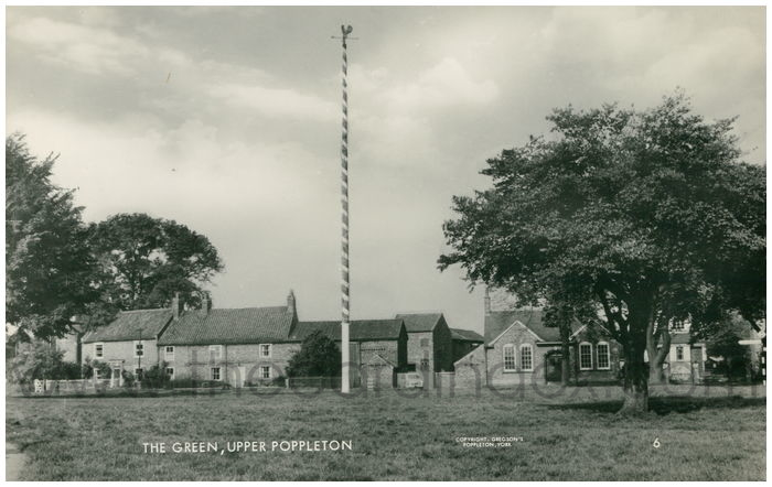 Postcard front: The Green, Upper Poppleton