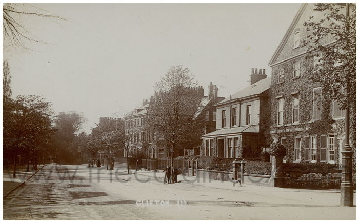 Postcard front: Clifton