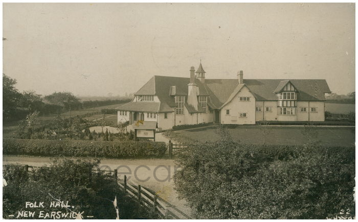Postcard front: Folk Hall. New Earswick