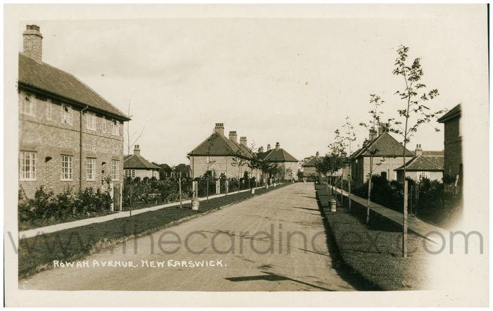 Postcard front: Rowan Avenue, New Earswick