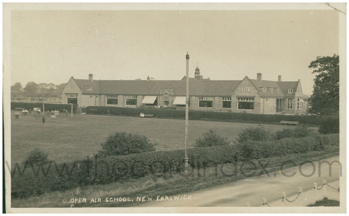Postcard front: Open Air School, New Earswick