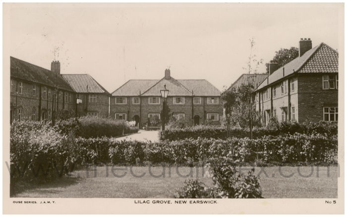 Postcard front: Lilac Grove, New Earswick
