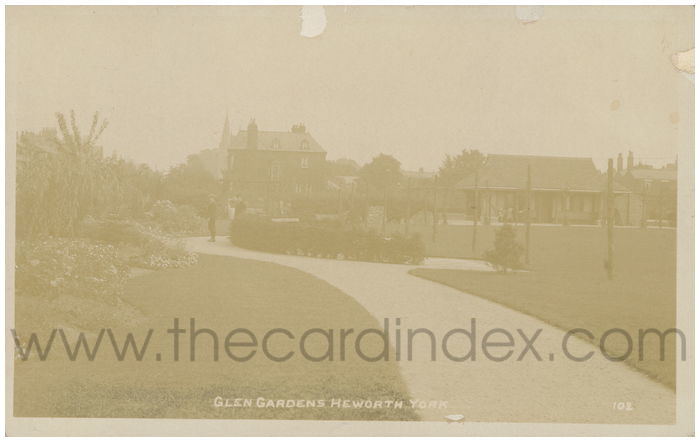Postcard front: Glen Gardens Heworth York