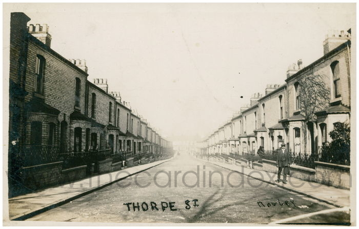 Postcard front: Thorpe St