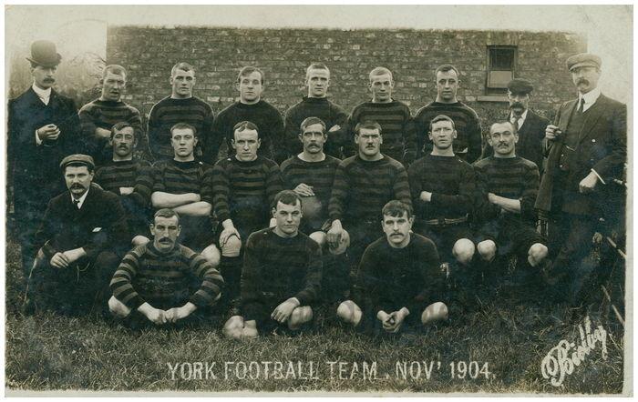 Postcard front: York Football Team, Nov' 1904