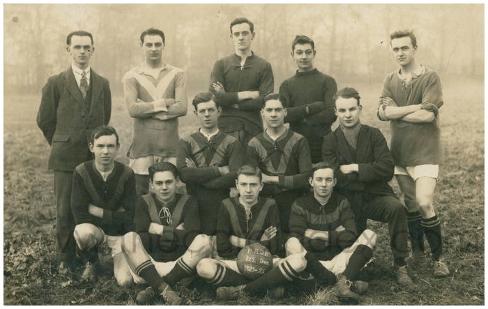 Postcard front: P.R.O.B. Res Team 1923-24