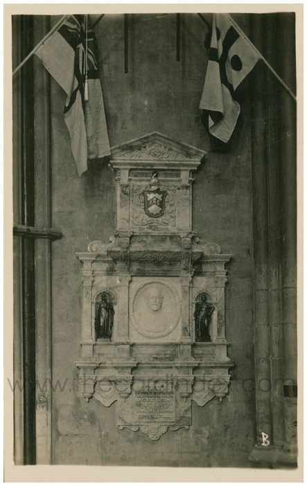 Postcard front: Admiral Cradock's Memorial York Minster