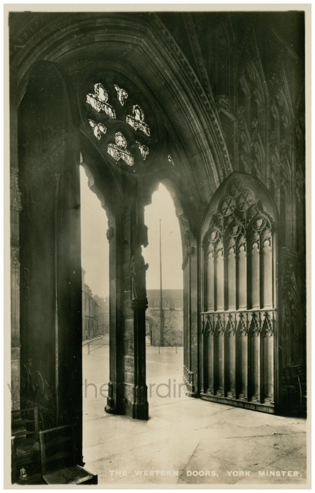 Postcard front: The Western Doors, York Minster