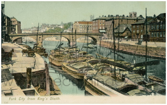Postcard front: York City from King's Staith