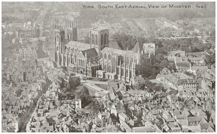Postcard front: York. South East Aerial view of Minster