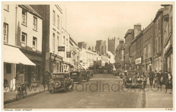 Postcard front: Wells High Street