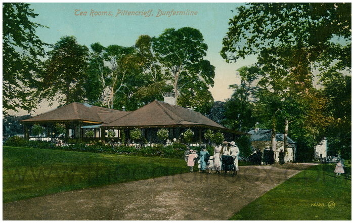Postcard front: Tea Rooms, Pittencrieff, Dunfermline
