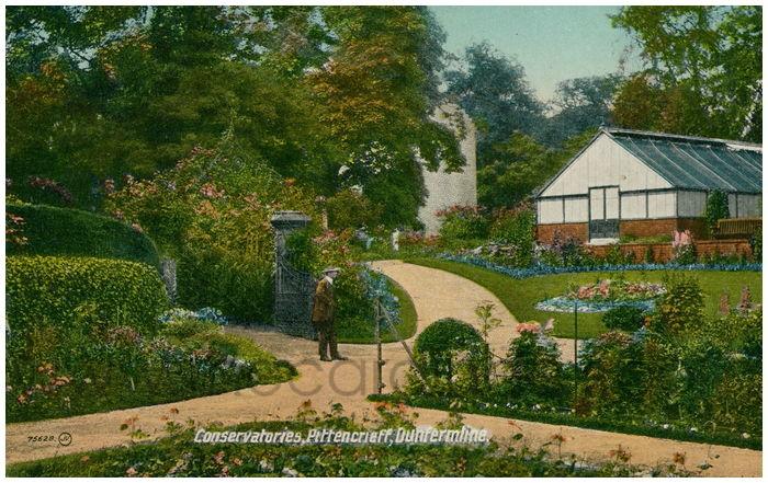 Postcard front: Conservatories, Pittencrieff, Dunfermline