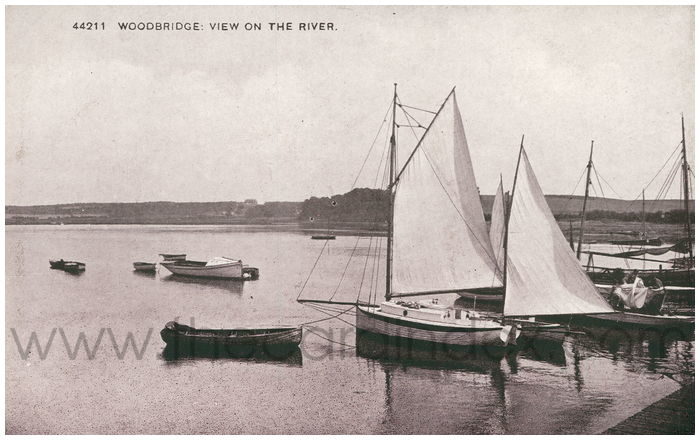 Postcard front: Woodbridge: View on the River