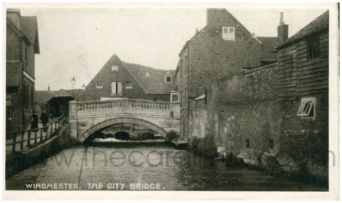Postcard front: Winchester. The City Bridge