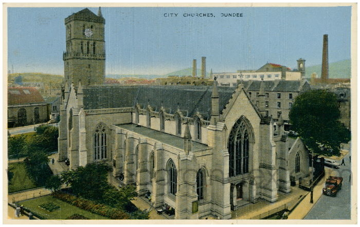 Postcard front: City Churches. Dundee
