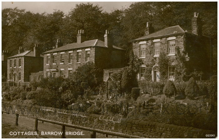 Postcard front: Cottage, Barrow Bridge.