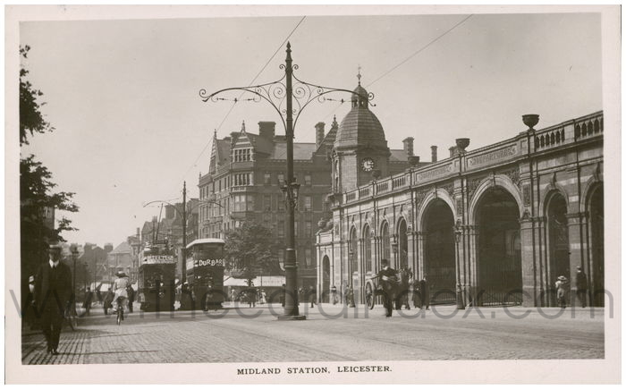Postcard front: Midland Station, Leicester.