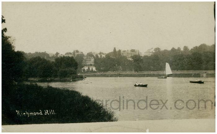 Postcard front: Richmond Hill