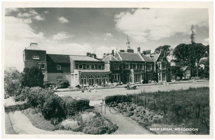 Postcard front: High Leigh, Hoddesdon