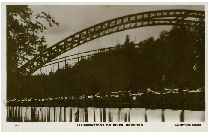 Postcard front: Illuminations on River, Bedford