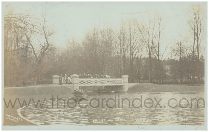 Postcard front: Bridge and Lake Wardown Luton