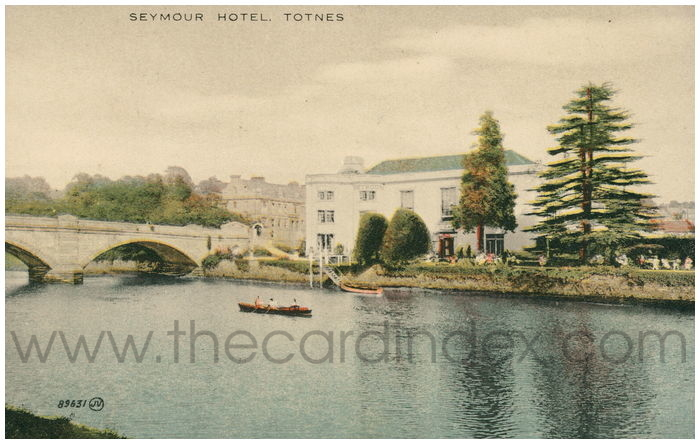 Postcard front: Seymour Hotel. Totnes