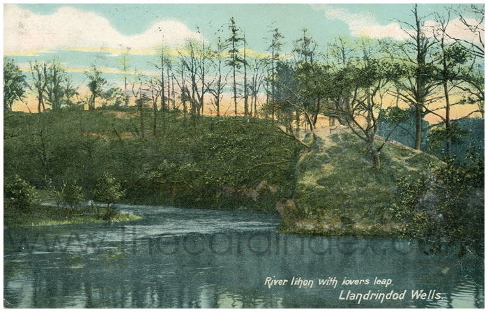 Postcard front: River Ithon with Lovers Leap, Llandrindod Wells.