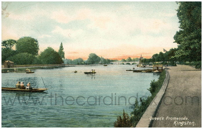 Postcard front: Queen's Promenade. Kingston.